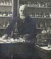 Salomon Henschen i laboratoriet